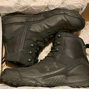 Under Armour men boots. Black . Size 9.5